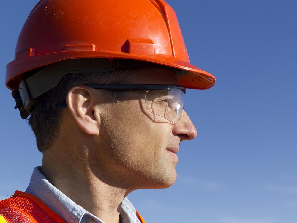 Kiedy należy stosować ochronne okulary korekcyjne?